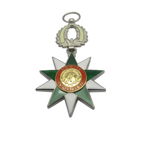 真珐琅皇冠三片式组合荣誉勋章