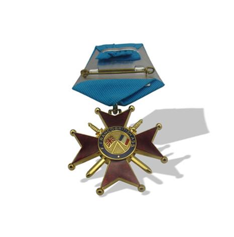 真珐琅镀真金立体入透明色勋章