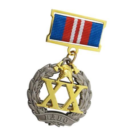 铜质不入色三片式组合勋章