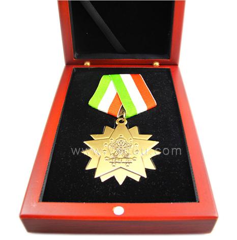 集团企业奖励勋章定做,奖章定做